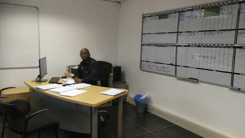CMH Renault Midrand-Ndumiso-at-his-desk