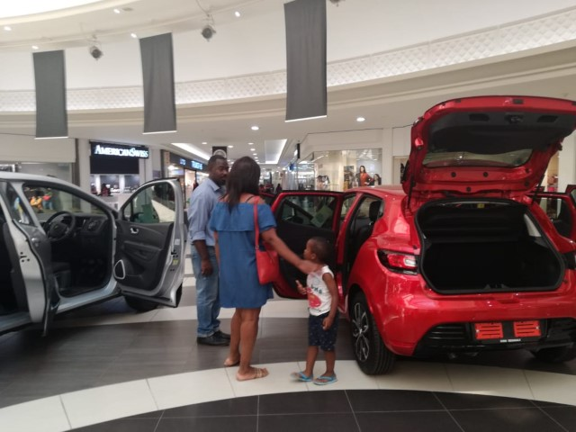 Boulders Mall Clients Amazed at the Renault Clio