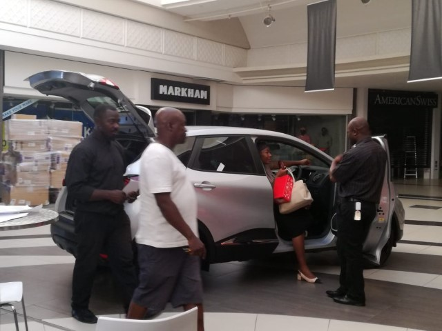 Boulders Mall - Sales Executive helping clients